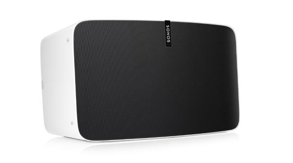 Der Sonos Play:5 verfügt bereits über Mikrofone